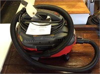Craftsman Portable 4 Gallon Wet/Dry Vac