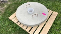 38 inch well head top (concrete)