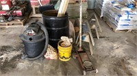 Shop vac, sawhorses, tire chains, floor jack