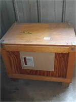 """Shipping crate: 30"""" x 21"""" x 19"""""""
