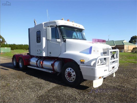 2002 Freightliner CENTURY 120 - Trucks for Sale