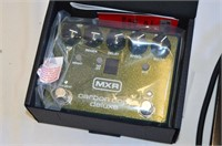 MXR Carbon Copy Deluxe and Audio Cable