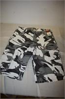 Wrangler Cammo Shorts Size 32