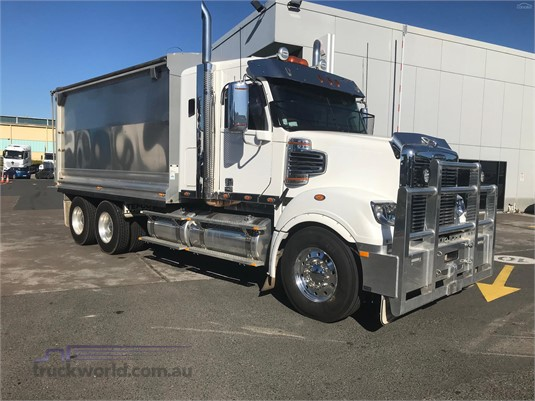 2017 Freightliner Coronado 114 - Trucks for Sale
