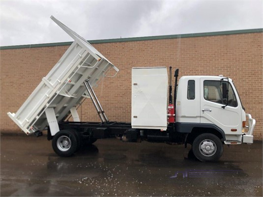 2006 Fuso Fighter 6 Hills Truck Sales - Trucks for Sale