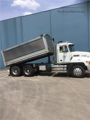 1999 Mack other - Trucks for Sale