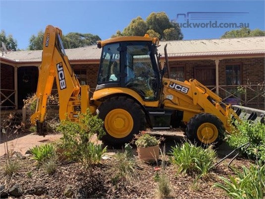 2006 Jcb 3CX Hume Highway Truck Sales  - Heavy Machinery for Sale