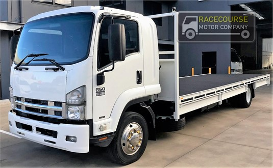 2010 Isuzu FSD 850 Racecourse Motor Company - Trucks for Sale