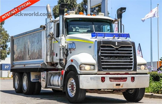 2011 Mack Trident Trucks for Sale