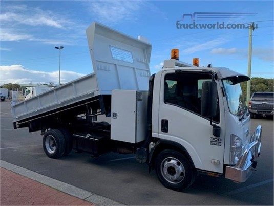2011 Isuzu NPR 300 Medium South West Isuzu - Trucks for Sale