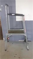 2 Step Ladder With Standing Platform