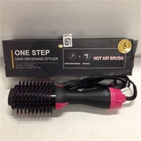 ONE STEP HAIR DYER AND STYLER