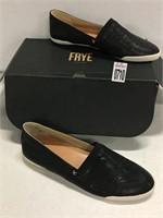 FRYE WOMEN'S SLIP ON SIZE 9M