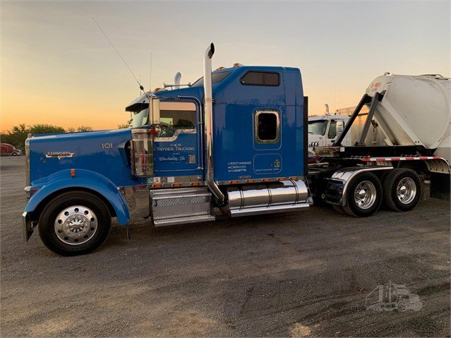 1999 KENWORTH W900L For Sale In Winchester, Virginia