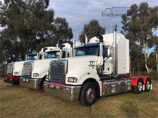 2018 Mack Super Liner - Trucks for Sale