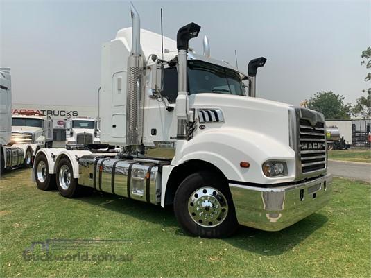 2013 Mack Trident - Trucks for Sale