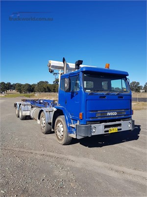 2007 International Acco 2350D - Trucks for Sale