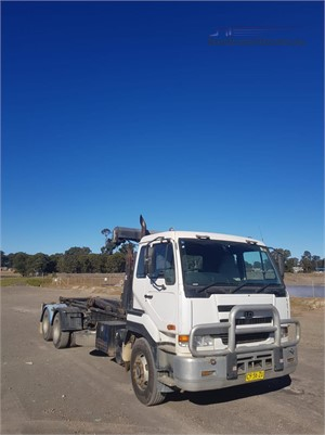 2007 UD CWB483 - Trucks for Sale
