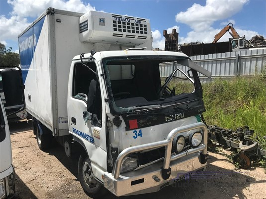 2007 Isuzu NPR 200 - Wrecking for Sale