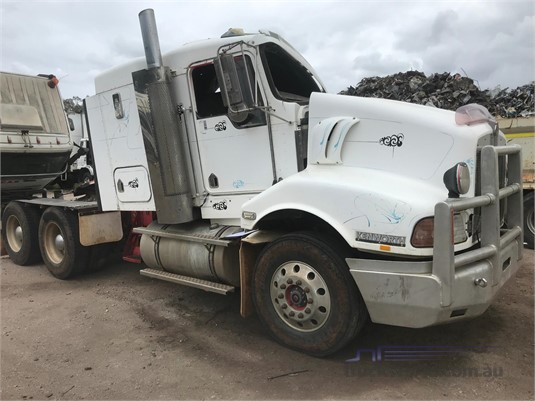 2002 Kenworth T404 - Wrecking for Sale