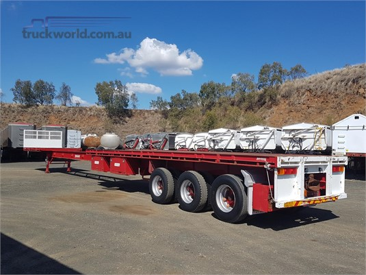2011 Barker Flat Top Trailer - Trailers for Sale