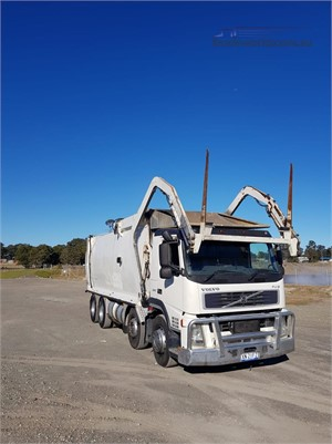 2003 Volvo FM9 - Trucks for Sale