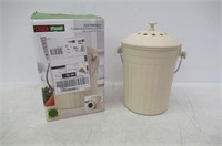 Oggi Countertop Compost Pail with Charcoal Filter,