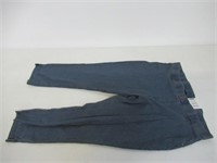 HUE Women's XL Essential Denim Jean Capri