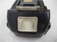 """Used"" Makita Y-00284 18V LXT Battery Charger Pack"