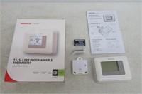 Honeywell RTH6360D1002/E Programmable Thermostat,
