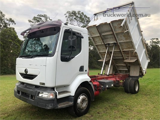 2002 Mack Midlum MV422R Trucks for Sale