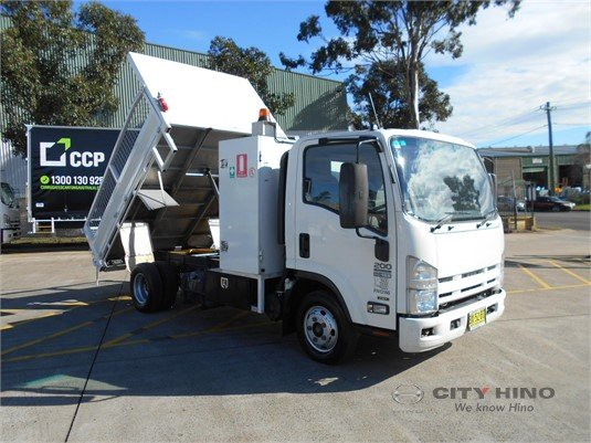 2013 Isuzu NPR 200 City Hino - Trucks for Sale