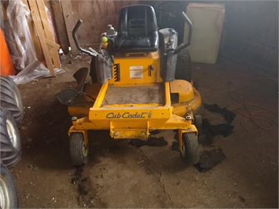 CUB CADET Zero Turn Lawn Mowers Auction Results - 61
