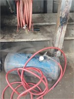 Air tank with extra air hose