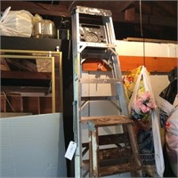 Husky Aluminum 8' Ladder, 2 Step Ladders