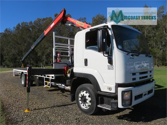2009 Isuzu FTR 900 Long Midcoast Trucks - Trucks for Sale