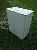 Sudstub washstand, W. P. Johnson Co. Des Moines