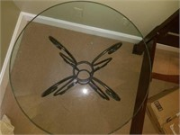 Nice Round Glasstop Table with Metal Base