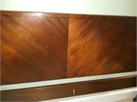 Beautiful Drexel King Size Wooden 4 Poster Bed