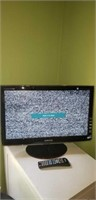 """Samsung HD TV 20"""" with remote"""