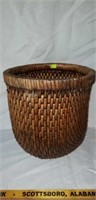Nice Vintage Woven Basket With Decor Glass