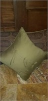 3 larger sized throw pillows approx 2ft