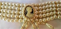 Vintage Cameo Choker necklace Faux Pearls