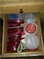 Kitchen Drawer full of Tupperware & Lids