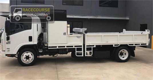2010 Isuzu NQR450 Racecourse Motor Company - Trucks for Sale
