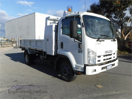 2012 Isuzu FRR500 - Trucks for Sale