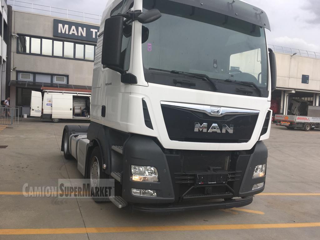MAN TGX18.440LLS-U used 2015 Veneto