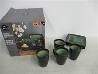 """""""As Is"""" Home Trends 16 Piece Dinnerware Set -"""