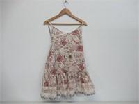 Woman's Large Short Sleeves Mini Dress, V-Neck