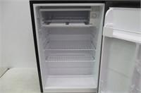 Hamilton Beach Refrigerator, Model REFHB270BE
